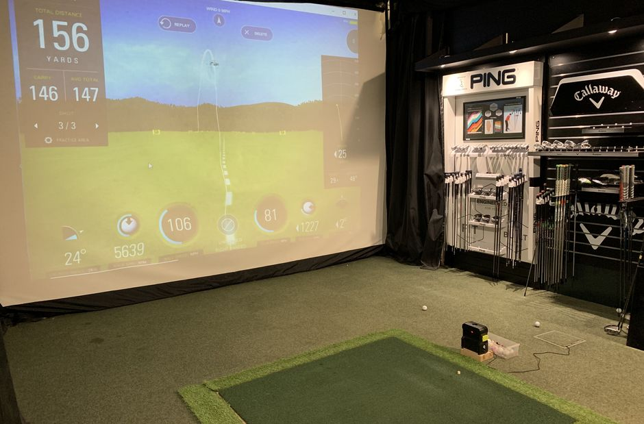 Indoor performance Studio with Sky Track, Flightscope and Custom Fitting
